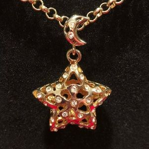 """Jewelry - Star Pendant with 30"""" Gold Plated Chain"""